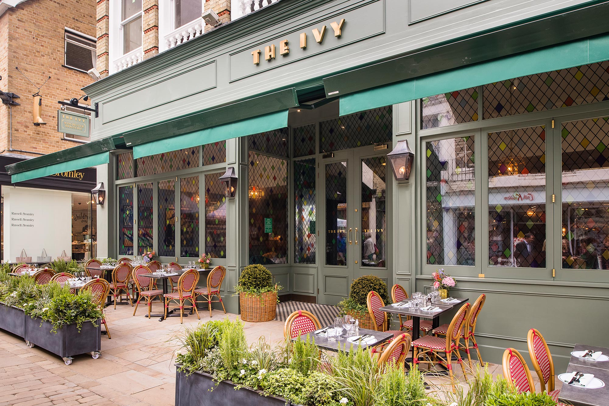 Terrace dining at The Ivy Winchester Brasserie - The Ivy Winchester Brasserie